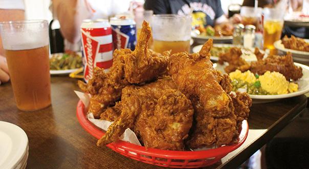 fried-chicken-at-willie-mae's