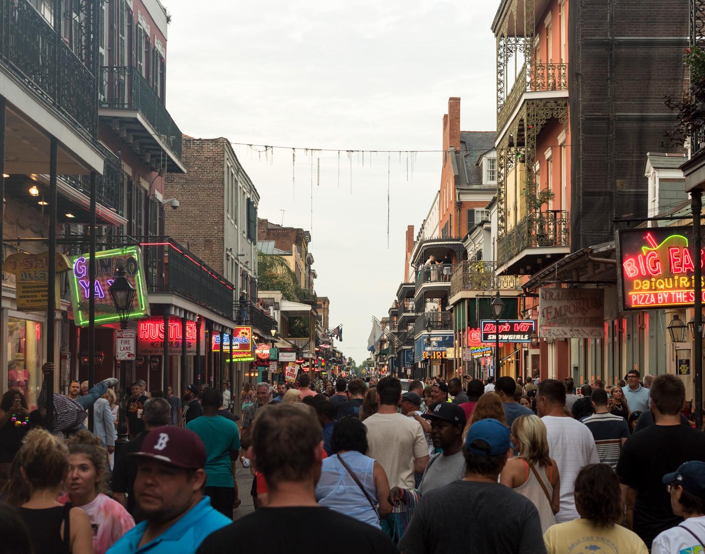 New-Orleans-Bourbon-Street-P1040689