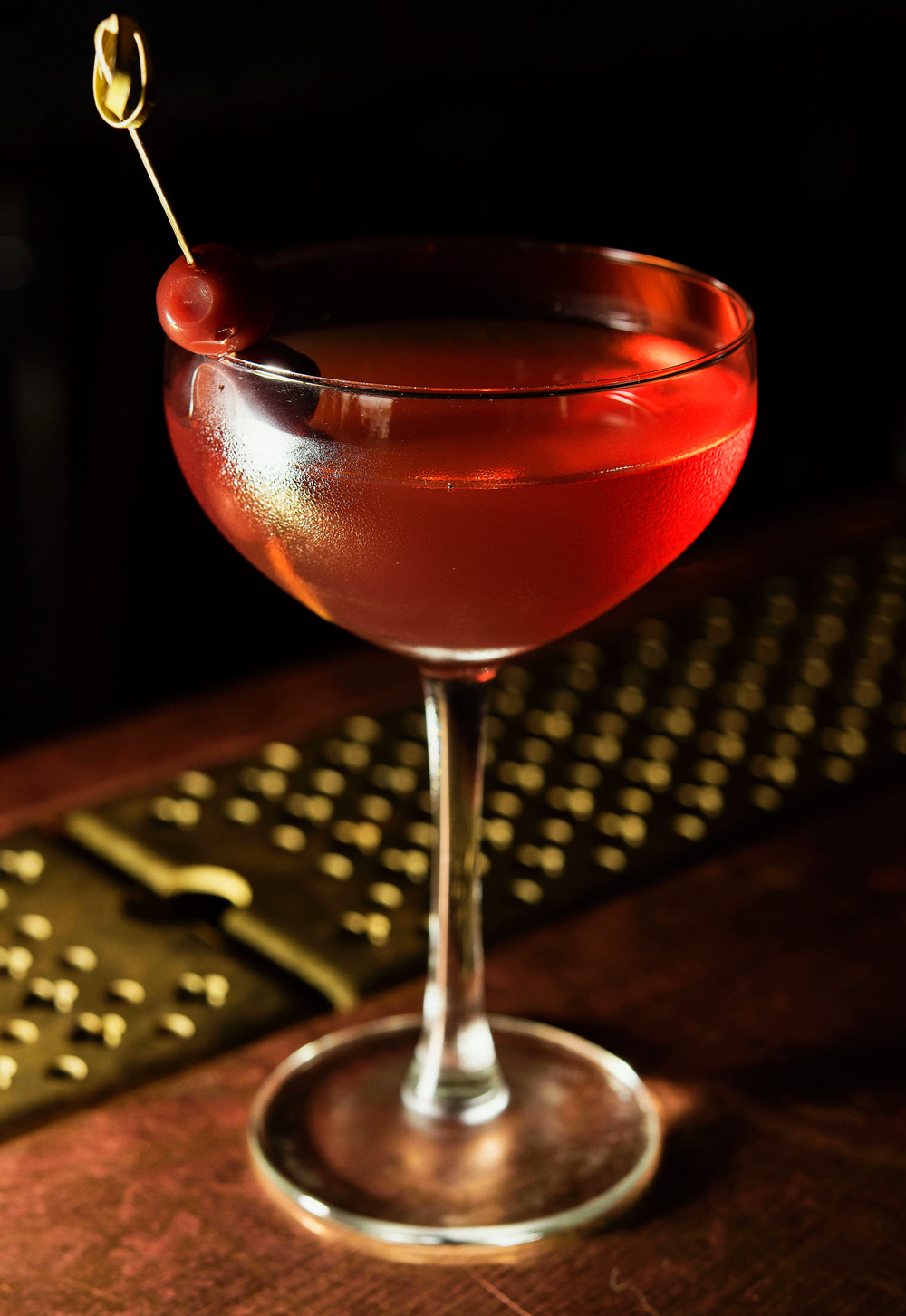 Classic_Manhattan_Recipe_CP83696